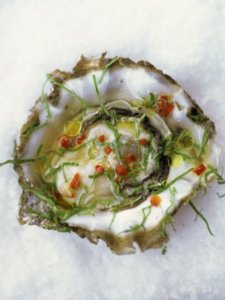 Oysters with chilli, ginger