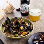 scottish mussels cooked in white beer